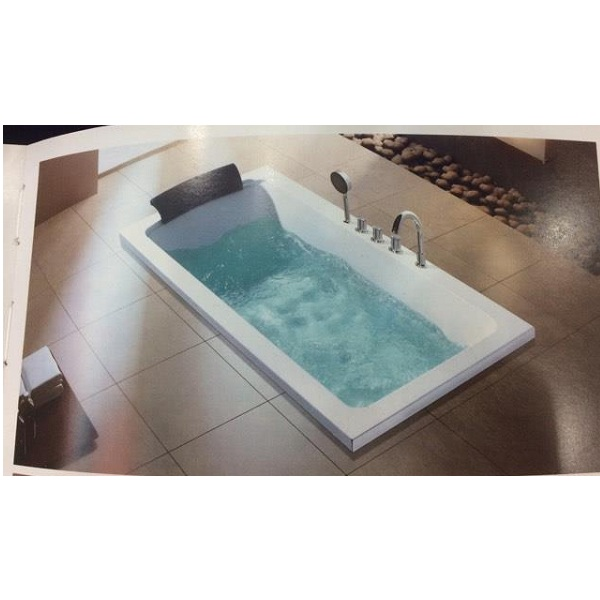 Bồn tắm Daros HT-81