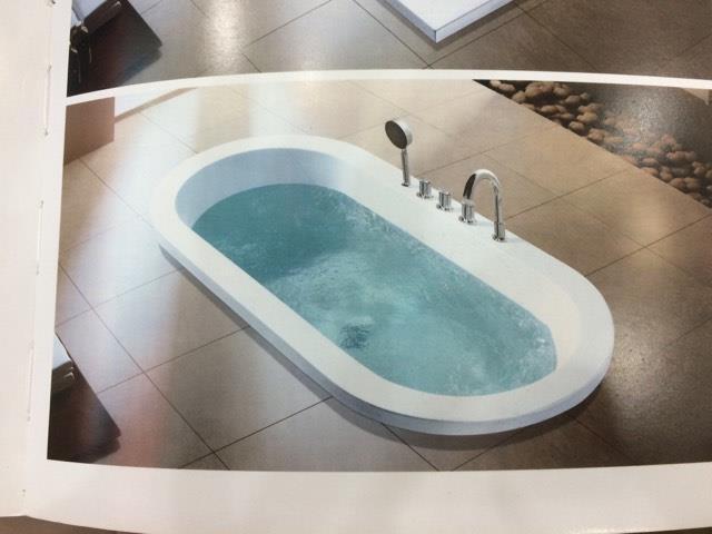 Bồn tắm Daros HT-82