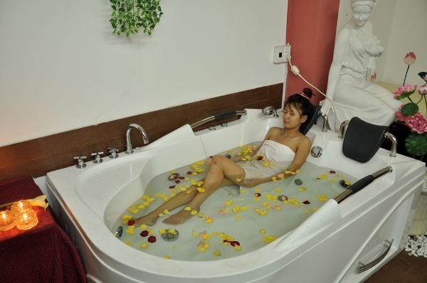 Bồn tắm massage chính hãng Govern thế hệ mới Dai-ly-cung-cap-bon-tam-nhap-khau-chinh-hang-tai-HCM